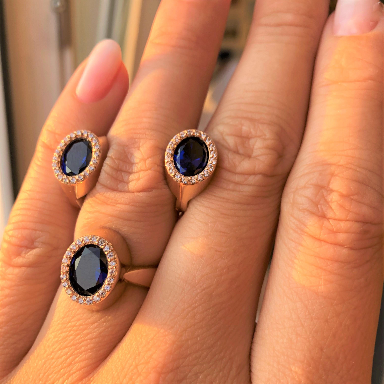 Роскошное классическое золотое кольцо с синим камнем по оптовым ценам КИЕВГОЛД