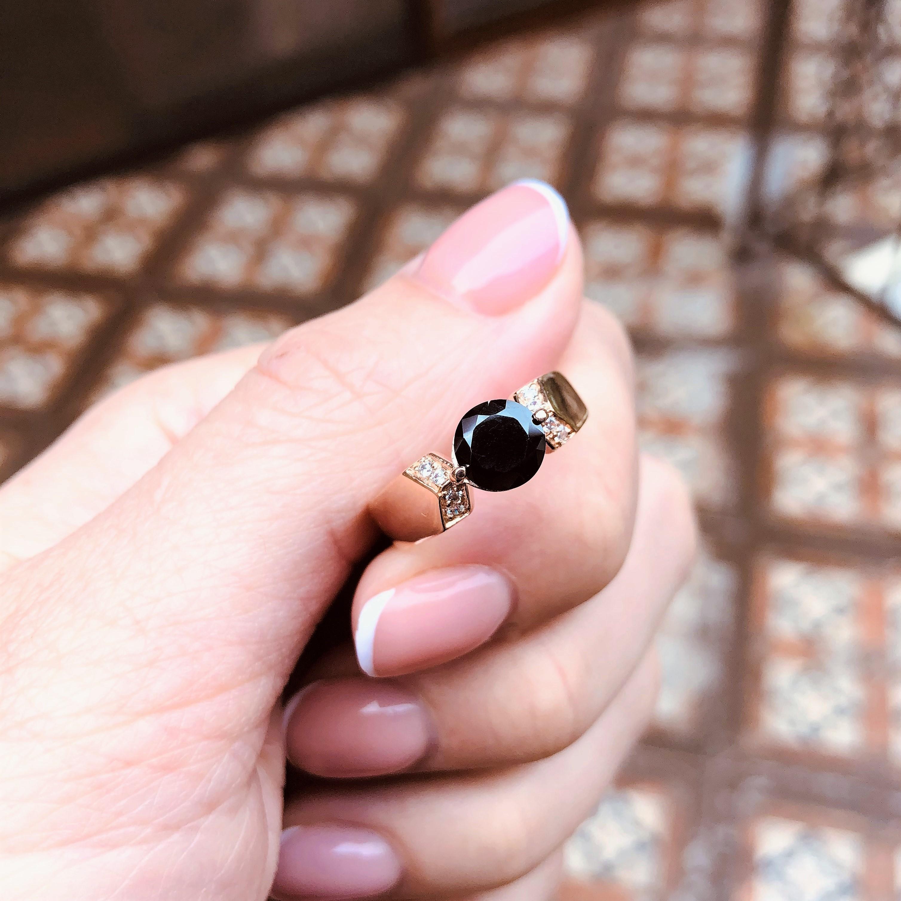 Золотое кольцо с черным камнем по оптовым ценам напрямую от производителя
