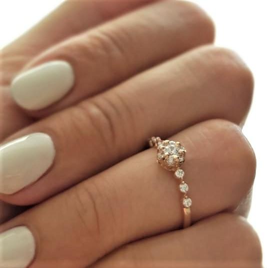 Золотое кольцо Нежность по оптовой цене производителя Киевголд