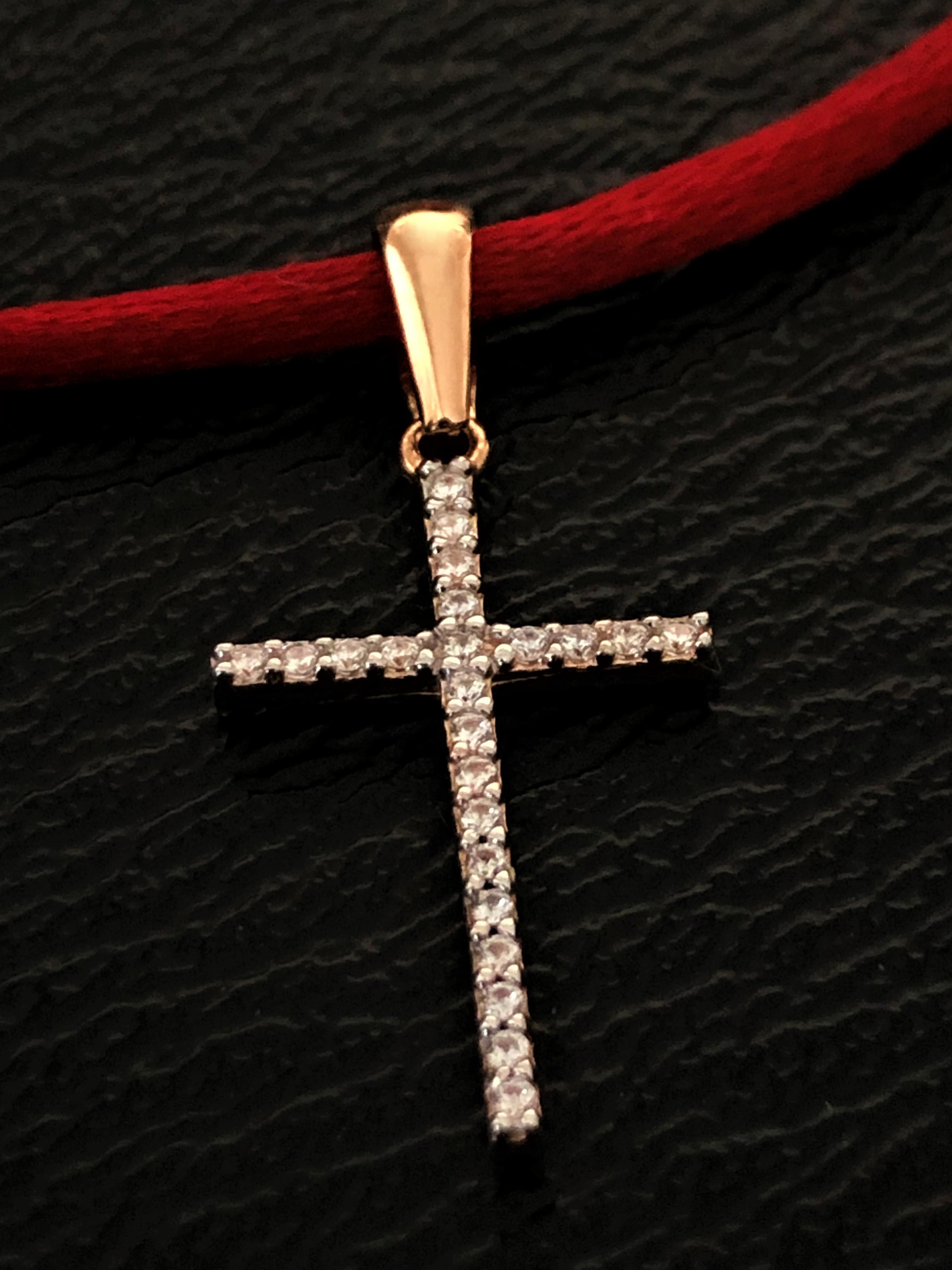 Золотой двухсторонний крест с черными и белыми камнями Киевголд